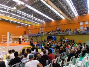 El campeonato de Andalucía de full contact llena con su espectacularidad el pabellón municipal