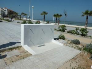 Playas ubica cuatro puntos de lavapiés y duchas a lo largo del Paseo de la Cruz del Mar