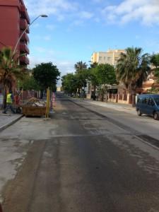 El Ayuntamiento instala tres nuevos contenedores soterrados en la avenida de Sevilla