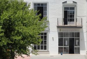Abierto el plazo de matriculación en el centro de adultos Miguel Espinosa Pau para el curso 2013/2014