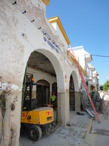 Se ultiman los trabajos de reparación de la cubierta exterior de la Plaza de Abastos