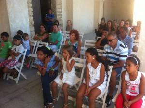 El Ayuntamiento realizó ayer la recepción oficial a los ocho niños saharauis que pasan sus vacaciones en Chipiona