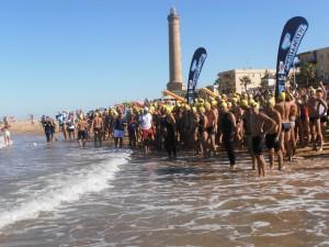 La octava Travesía a nado Picoco-Playa de Regla cierra inscripciones con récord de participación