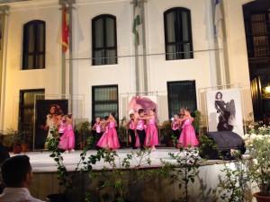 Las academias de baile llenan la Plaza de Andalucía para recordar a Rocío Jurado