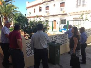 El Ayuntamiento mejora la entrada del Colegio Príncipe Felipe por la calle Grazalema