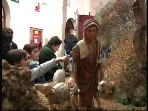 Belenistas y Ayuntamiento inauguran el Belén Municipal instalado en el Castillo de Chipiona