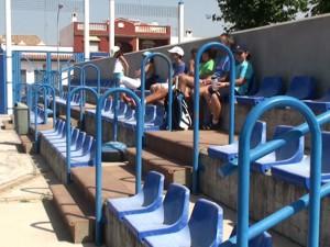 El Ayuntamiento instalará una visera de protección para las gradas de las pistas de tenis