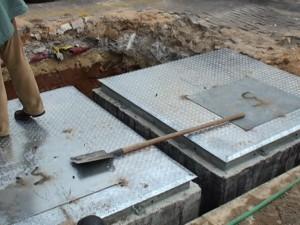 El Ayuntamiento de Chipiona ahorrará una cuarta parte en la instalación de su primera línea de contenedores soterrados