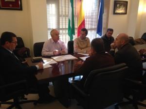 Ayuntamiento y Comunidad de Regantes buscan un contacto más directo de la entidad y los agricultores de Chipiona