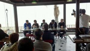 Izquierda Unida se reúne con el sector comercial y turístico de Chipiona.