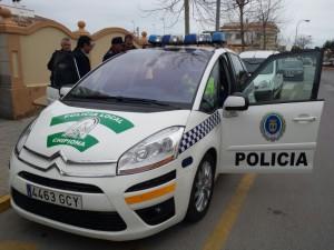 Antonio Peña presenta un nuevo coche patrulla para la Policía Local