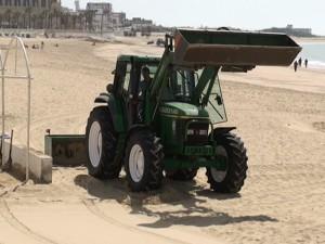 Las playas de Chipiona ya se preparan para la Semana Santa y la llegada de la temporada media