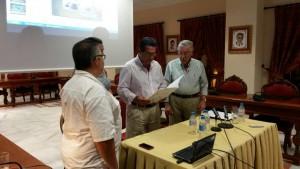 Una conferencia del profesor y periodista Juan Mellado sobre Chipiona y el Nuevo Mundo (Cuba) abrió el ciclo de conferencias de verano.-
