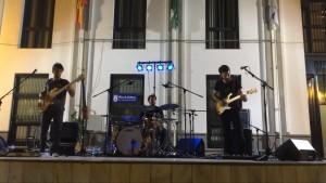 La banda Glazz ofrece con Cirquelectric uno de los espectáculos de más originalidad y calidad del verano chipionero
