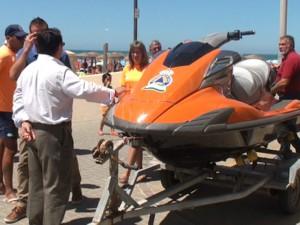 Antonio Peña presenta dos nuevas motos acuáticas para el servicio de Protección Civil en el mar