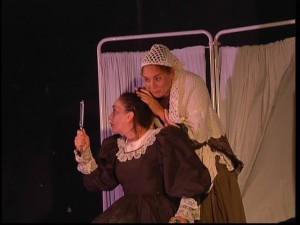 Gran nivel en la obra de teatro de la compañía Tras el Trapo ofrecida ayer