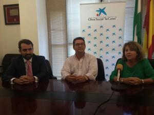 La Asociación de Familiares de Enfermos de Alzheimer Faro de Chipiona recibe 1.200 euros de la Obra Social La Caixa