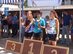 Tres atletas chipioneras consiguen los primeros puestos en féminas en el Cross Playa de Regla celebrado ayer domingo