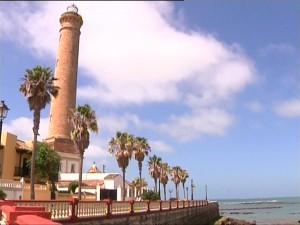 Antonio Peña anuncia que el día de la Virgen de Regla se estrenará la iluminación artística de la torre del Faro
