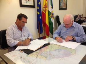 El Ayuntamiento y Madre Coraje firman un convenio de colaboración para la recogida y reciclaje de aceite vegetal usado