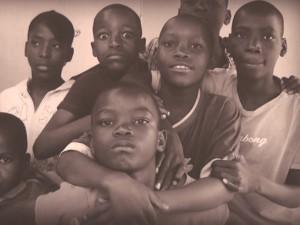 Una muestra fotográfica descubre áfrica en el Castillo con una mirada de Mozambique