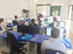 12 alumnos reciben los diplomas de un curso de iniciación a la red de Internet promovido por Fomento Económico