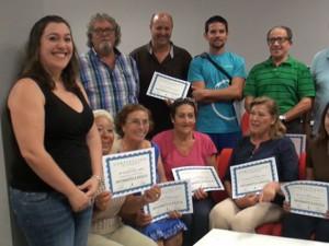 14 alumnos finalizan un curso de iniciación a la informática del centro Guadalinfo a través del programa de alfabetización digital.