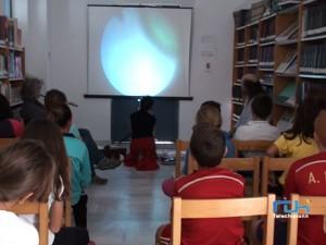El programa DECOC De Libros y la Delegación de Cultura conmemoran el día de la Biblioteca con actividades para los más pequeños.