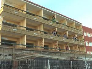 Rafael Naval se congratula de que la propietaria del Hotel Cruz del Mar atienda la petición municipal de adecentarlo y cerrar su exterior