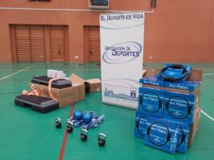 Deportes recibe de la Diputación nuevo material deportivo para el programa el movimiento es vida valorado en 1.800 euros.