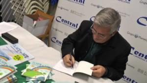 Sebastián Tirado hace realidad su último proyecto literario, un libro de cuentos