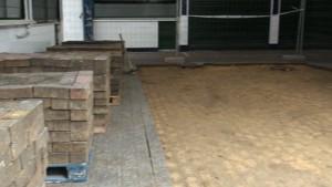 La sustitución de la solería de la Plaza de Abastos supone un paso más en la reforma integral que se ha realizado