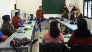 60 jóvenes desempleados asisten a una charla informativa sobre una oferta de becas de formación y empleo en Alemania