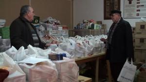 Cáritas Parroquial de Chipiona distribuyó en su campaña de navidad 3000 kilos de alimentos entre 50 familias