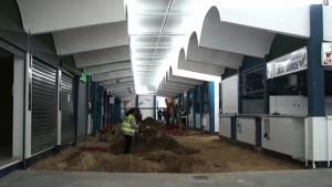 Concluye la primera fase de la sustitución del suelo de la Plaza de Abastos de Chipiona