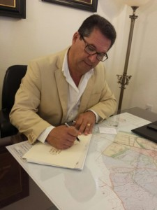 Antonio Peña hace partícipes a trabajadores municipales y ciudadanía del nuevo éxito histórico de las banderas azules