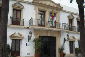 Chipiona se beneficia del plan de Eficiencia Energética de Diputación que permitirá ahorrar 887.000 euros al año a 35 Ayuntamientos