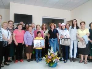 Afichi homenajea a la socia Antonia López Moreno por su fidelidad y su espíritu participativo