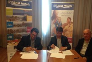 Firmado un convenio entre el Ayuntamiento de Chipiona y la cadena Best Hoteles para la construcción de un hotel en Costa Ballena.