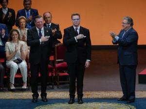 Los Morancos arropados por toda su familia reciben la Medalla de Oro de Sevilla