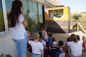 El Centro El Camaleón incorpora un nuevo teatro de guiñol como nueva actividad educativa para los más pequeños