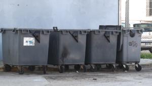 Los 200 nuevos contenedores llevarán impreso el horario de depósito y el teléfono para retirar muebles y enseres