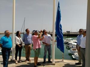 La Bandera Azul de los Mares Limpios de Europa también ondea ya en Puerto Chipiona