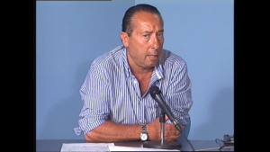 César Florido muy satisfecho con el premio recibido a su Moscatel de Pasas en la tercera edición del concurso Catatalentos.