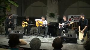 Juan Gómez cautiva en un concierto de guitarra que tuvo como escenario el Claustro del Santuario