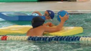 2000 alumnos de Chipiona disfrutarán este año del Programa Municipal de Natación Escolar