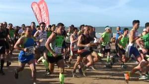 La chipionera Eva Tirado y el roteño Manuel Gatón campeones absolutos de la vigésima edición de la carrera Playa de Regla.
