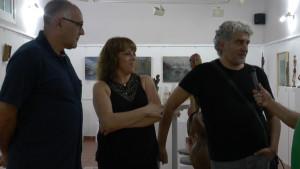 Jesús Benítez, Lola Jiménez y Juan Carmona unen sus creaciones en la Taberna El Chusco