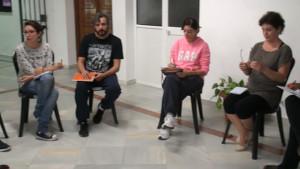 20 alumnos y alumnas sin experiencia previa comienza un taller de de iniciación al teatro.