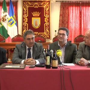 La Cooperativa Católico Agrícola presenta sus dos premios Zarcillo de Oro al moscatel de pasas y dorado